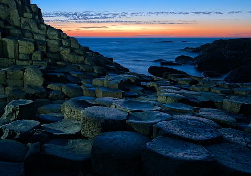 Basalt「Sunset over Basalt columns at Giants Causeway in Northern Ireland」:スマホ壁紙(6)
