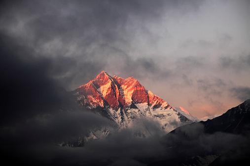 Khumbu「Sunset over the Snow Capped Lhotse mountain,」:スマホ壁紙(16)