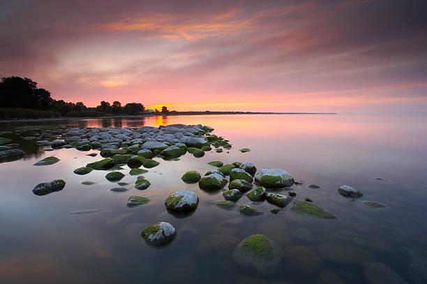 Sunset over lake Peipsi, Estonia, August:スマホ壁紙(壁紙.com)