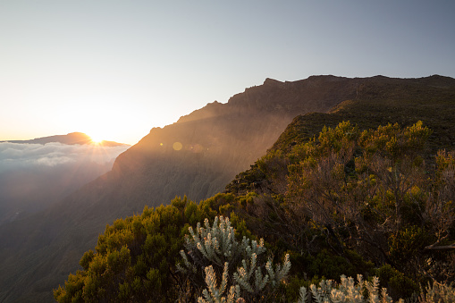 Reunion Island「Sunset over Piton des Neiges volcano, Réunion」:スマホ壁紙(2)