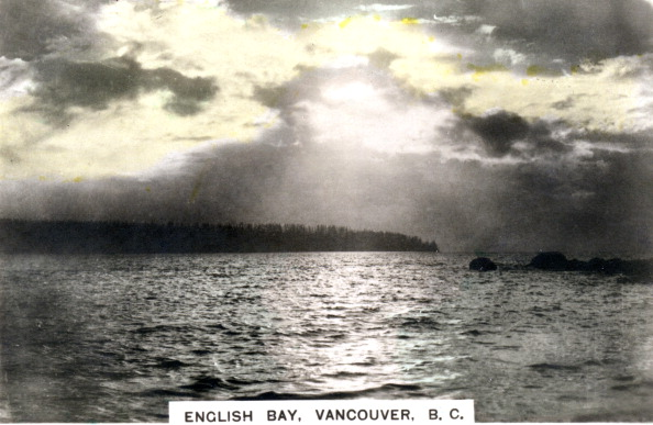 Overcast「Sunset over English Bay, Vancouver, British Columbia, Canada, c1920s.Artist: Cavenders Ltd」:写真・画像(2)[壁紙.com]