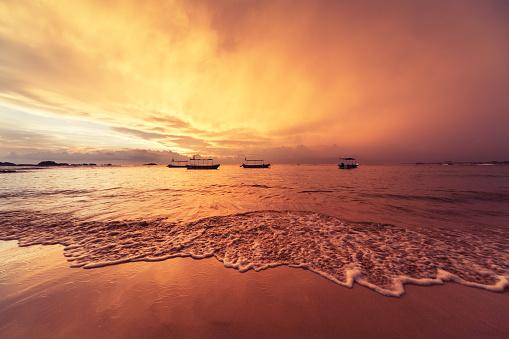 Sri Lanka「Sunset over Indian ocean」:スマホ壁紙(19)