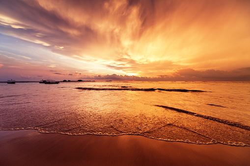 Sri Lanka「Sunset over Indian ocean」:スマホ壁紙(2)