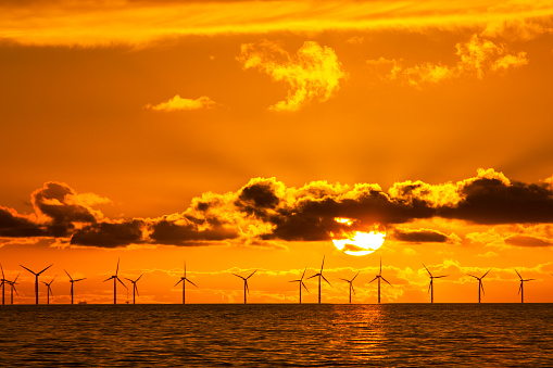Irish Sea「Sunset over the Walney offshore Wind farm from Walney island  The windfarm will shortly be the largest offshore wind farm in the world and currently generates 367 MW.」:スマホ壁紙(19)