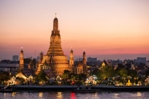 Temple - Building「Sunset over Wat Arun temple, Bangkok, Thailand」:スマホ壁紙(10)