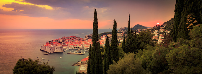 Coastal Feature「Sunset over Dubrovnik in Croatia」:スマホ壁紙(7)
