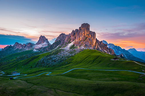 Alto Adige - Italy「Sunset over Pass Giau. Dolomites alps. Italy」:スマホ壁紙(1)