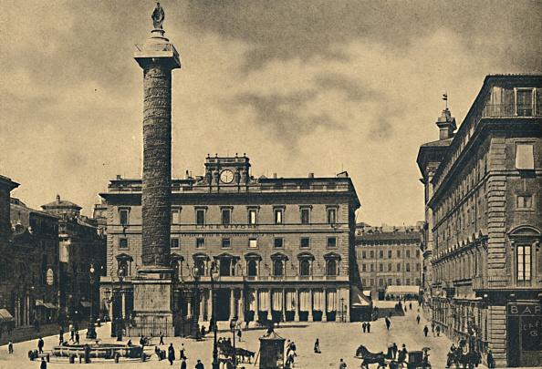 Architectural Column「Roma - Square And Column Of Marcus Aurelius 1910」:写真・画像(16)[壁紙.com]