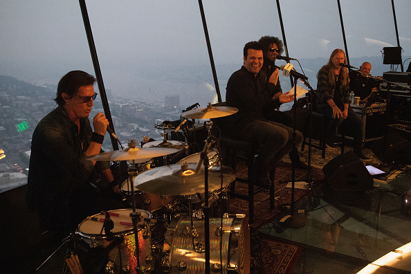 Lithium「Alice In Chains Performs For SiriusXM's Lithium Channel At The Space Needle In Seattle」:写真・画像(12)[壁紙.com]