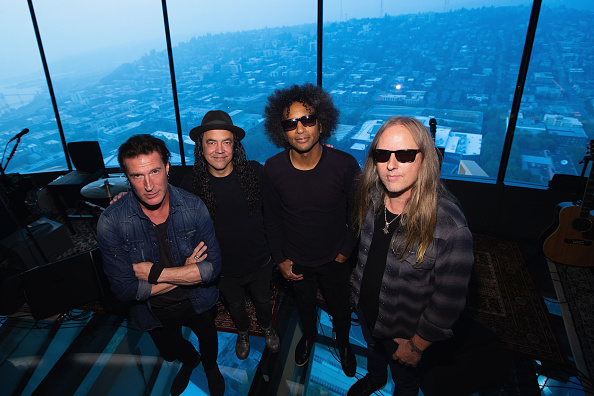 Lithium「Alice In Chains Performs For SiriusXM's Lithium Channel At The Space Needle In Seattle」:写真・画像(16)[壁紙.com]