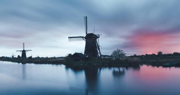Kinderdijk Windmills:スマホ壁紙(壁紙.com)