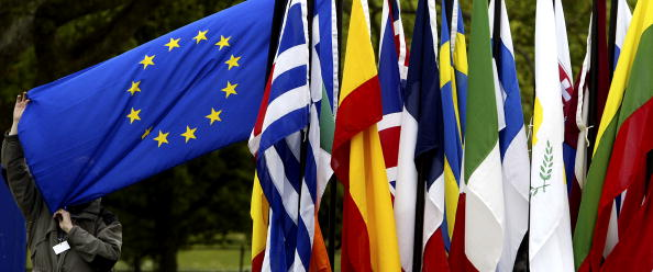 Scrutiny「Security On High Alert Ahead Of EU Enlargement Ceremony」:写真・画像(14)[壁紙.com]