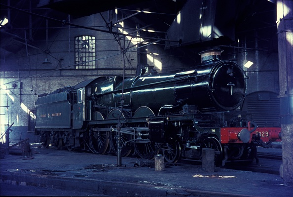 The Roundhouse「Former Great Westerm Castle Class 4-6-0 No.7029」:写真・画像(9)[壁紙.com]