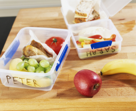 Lunch Box「Named packed lunches on table, close-up」:スマホ壁紙(12)