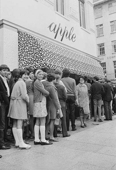閉める「Apple Boutique Giveaway」:写真・画像(8)[壁紙.com]