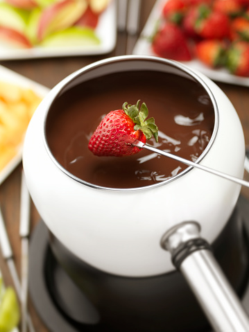 Dipping「Chocolate Fondue with Strawberries」:スマホ壁紙(19)