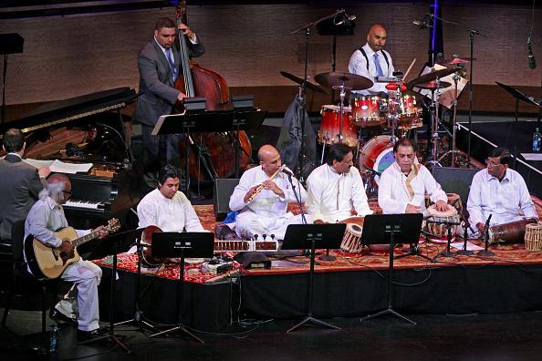 In A Row「Music from Pakistan」:写真・画像(13)[壁紙.com]