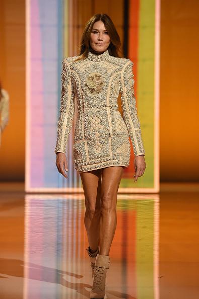 Womenswear「Balmain : Runway - Paris Fashion Week - Womenswear Spring Summer 2022」:写真・画像(2)[壁紙.com]