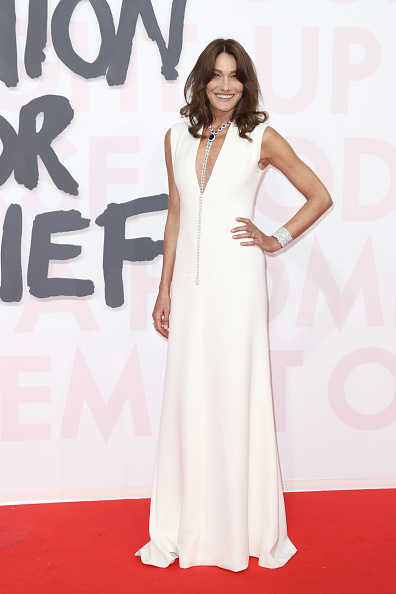 Carla Bruni「Red Carpet Arrivals - Fashion For Relief Cannes 2018」:写真・画像(17)[壁紙.com]