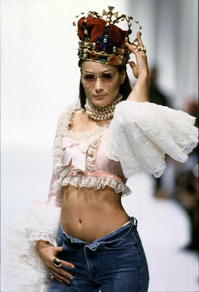 Carla Bruni「Ex-Top Model Carla Bruni Linked To French President Nicolas Sarkozy」:写真・画像(11)[壁紙.com]