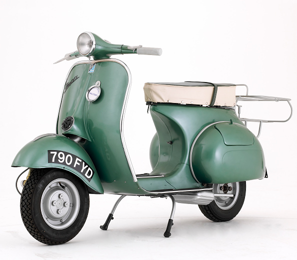 Model - Object「1950 Douglas Vespa 152-L2 scooter」:写真・画像(6)[壁紙.com]