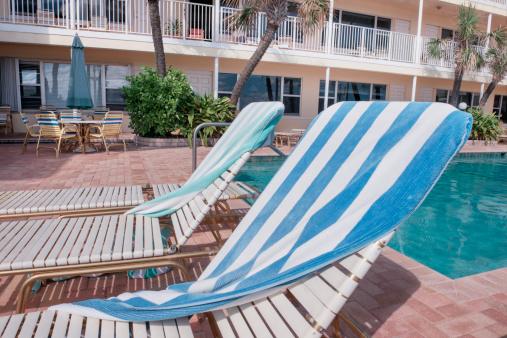 Motel「Poolside Lounge Chairs at a Hollywood Beach Motel」:スマホ壁紙(3)