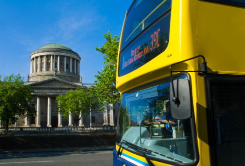 Dublin - Republic of Ireland「Four courts and bus」:スマホ壁紙(11)
