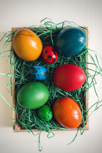 イースター「Colorful Easter Eggs」:スマホ壁紙(9)