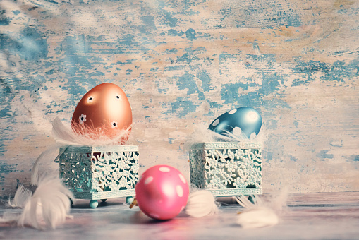 Easter Bunny「Colorful Easter Eggs Decoration on Wooden Background」:スマホ壁紙(9)