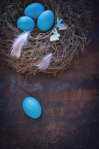 Easter Bunny「Colorful Easter Eggs Decoration on Wooden Background」:スマホ壁紙(14)