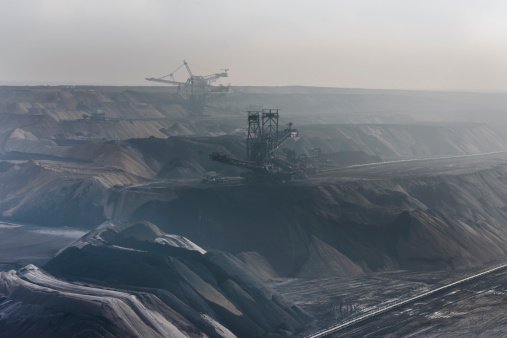 Earth Mover「Germany, View of brown charcoal mining at Garzweiler」:スマホ壁紙(9)