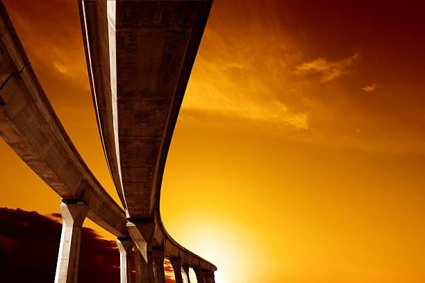 XXL elevated roadway at sunset:スマホ壁紙(壁紙.com)
