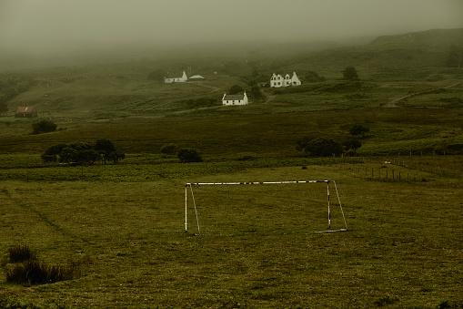Goal Post「UK, Scotland, football goal in rural landscape」:スマホ壁紙(0)