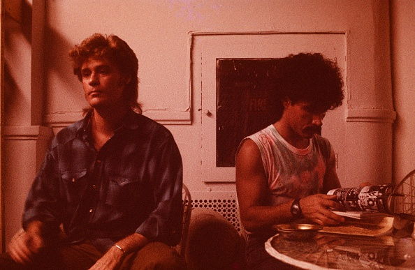 ホール&オーツ「Hall And Oates In Photo Studio Dressing Room In USA」:写真・画像(4)[壁紙.com]