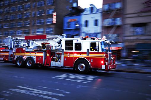 Emergency Services Occupation「Firetruck in USA」:スマホ壁紙(19)