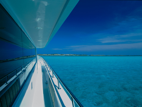 Cruise - Vacation「Walkway on deck」:スマホ壁紙(15)