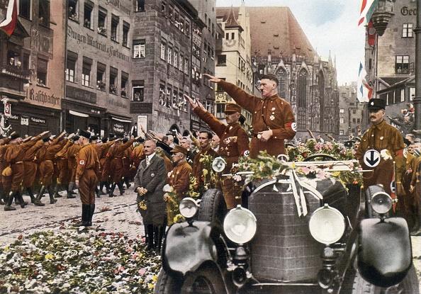 Color Image「Saluting Hitler」:写真・画像(5)[壁紙.com]