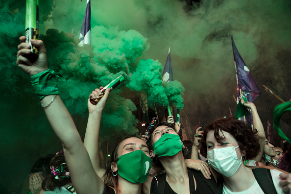 Argentina「Argentine Senate Decides on Legalization of Abortion」:写真・画像(6)[壁紙.com]