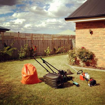 Lawn Mower「Gardening tools」:スマホ壁紙(9)