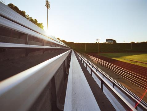 Bench「Bleachers of track and field stadium」:スマホ壁紙(19)