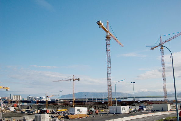 Construction Machinery「The construction of the Opera House in Reykjavik, Iceland. This construction is part of a major renovation of the harbour area.」:写真・画像(19)[壁紙.com]