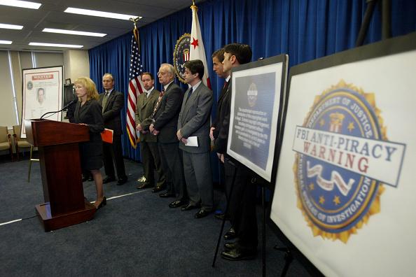 Invention「FBI Announces Measures To Combat Digital Piracy」:写真・画像(0)[壁紙.com]