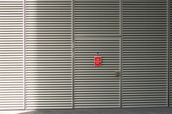 Door「Access door to a plant room」:写真・画像(17)[壁紙.com]