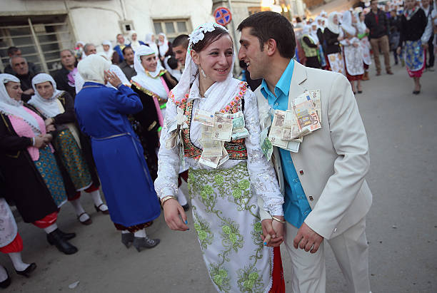 Ribnovo Villagers Celebrate A Wedding:ニュース(壁紙.com)