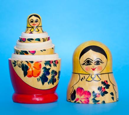 Doll「Russian nesting dolls」:スマホ壁紙(1)