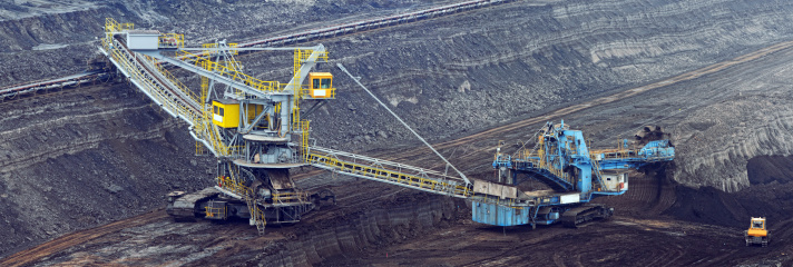 Lignite「Open Strip Coal mine with bucket-wheel excavator at conveyor belt」:スマホ壁紙(18)