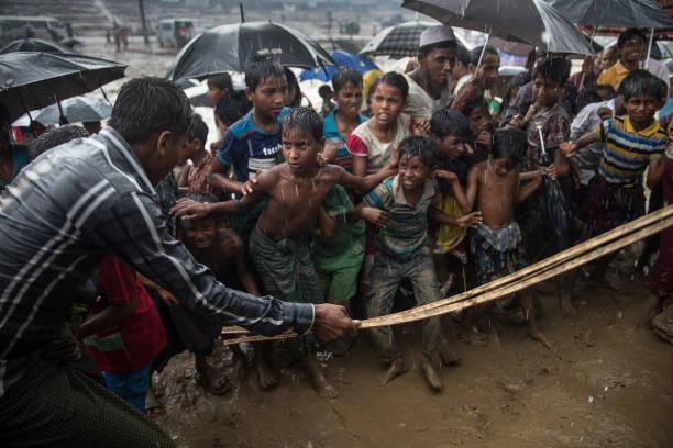 Torrential Rain「Rohingya Refugees Flood Into Bangladesh」:写真・画像(8)[壁紙.com]