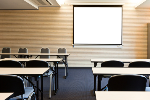 Seminar「Empty lecture hall with blank projection screen」:スマホ壁紙(13)