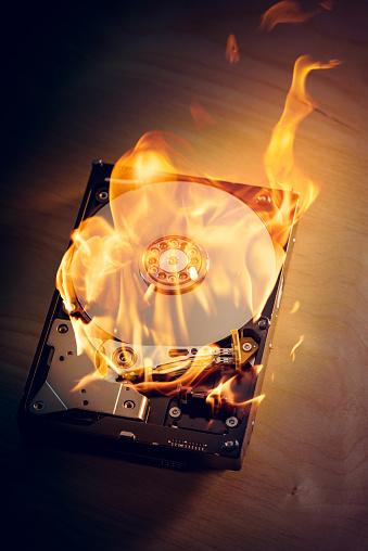 炎「ハードディスクディスク」:スマホ壁紙(18)