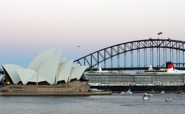 Passenger Craft「The Queen Victoria Arrives In Sydney Harbour」:写真・画像(9)[壁紙.com]